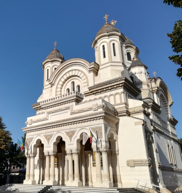 8 catedrala